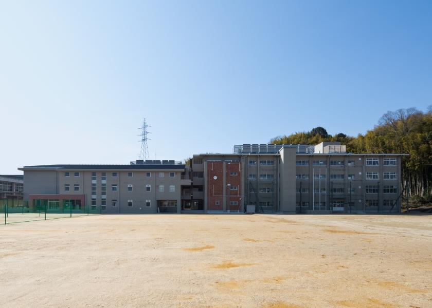田辺中学校 管理棟等(新築・改修)